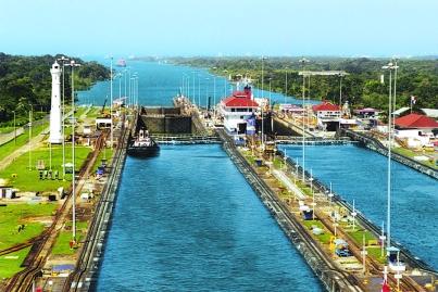 Gohagan_2020_CostaRicaPanama_01_Panama_Canal_Gatun_Locks_(squared)_StanShebs_WC_GNU
